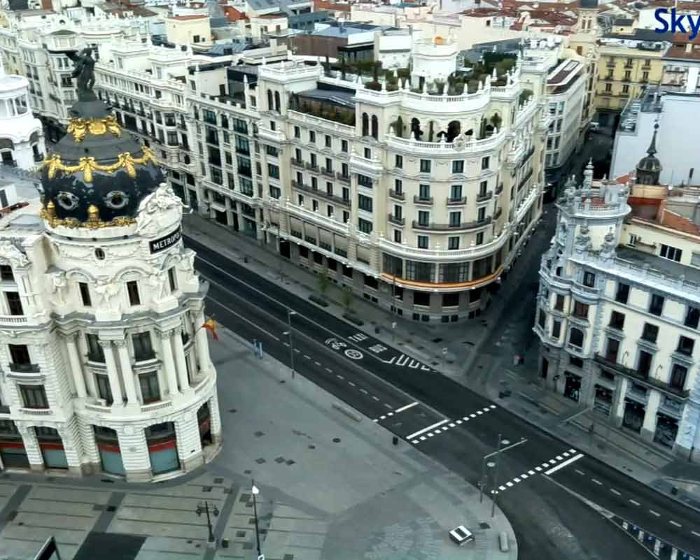 Calle de Alcalá sin coches ni gente