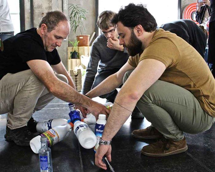 Residuos botellas taller Medialab 2017
